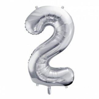 Srebrny balon foliowy w kształcie cyfry 2