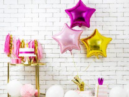 Balony foliowy w kształcie kolorowych gwiazdek