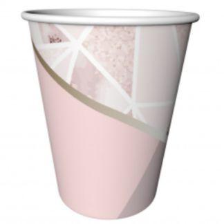Różowy kubeczek papierowy ze wzorkami