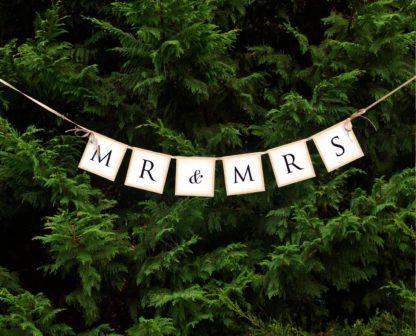 """Baner na choince z napisem """"Mr i Mrs"""""""