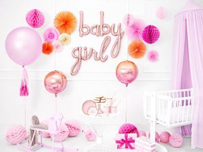 Balony w kolorze różowe złota w pokoju dziewczynki
