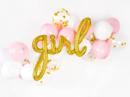 Złoty balon w kształcie napisu i kolorowe balony foliowe