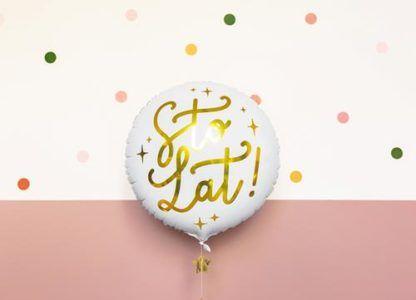 """Biały balon foliowy ze złotym napisem """"sto lat"""""""