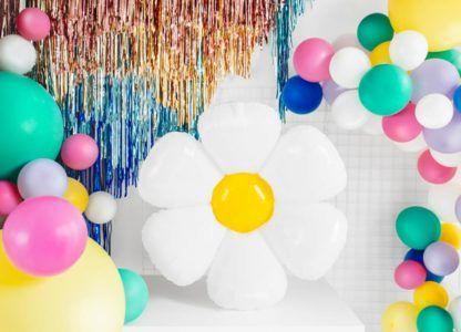 Balony foliowe kolorowe i jeden w kształcie stokrotki