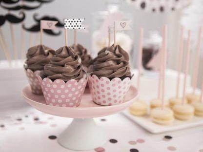 Muffinki w różowych papilotkach