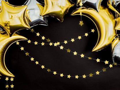 Złota girlanda z gwiazdkami i balony