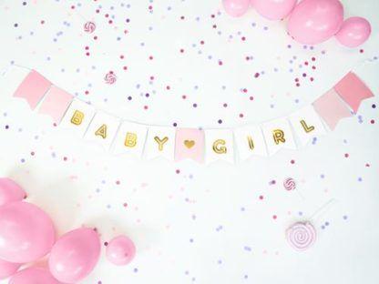 """Różowy baner z napisem """"baby girl"""""""