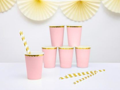 Zestaw kubeczków papierowych w kolorze różowym