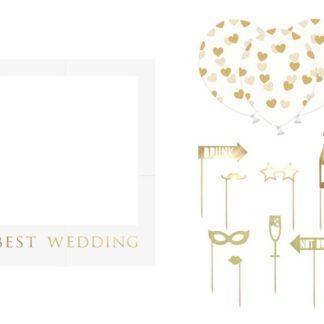 Biała ramka do zdjęć na ślub i dodatkowe dekoracje