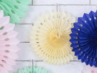 Kolorowe rozety dekoracyjne