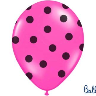 Różowy balon lateksowy w czarne kropki