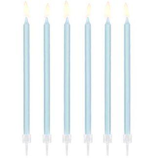 Długie, niebieskie świeczki na tort