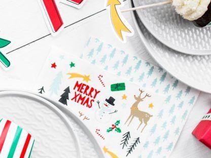 Dekoracja świąteczna i serwetka w choinki