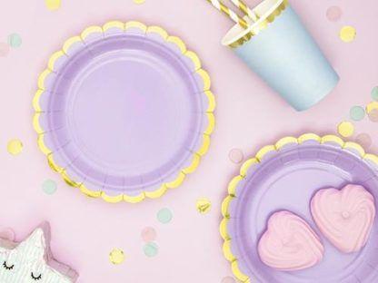 Liliowe talerzyki papierowe