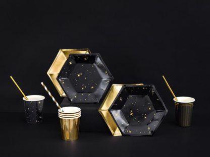 Talerzyki i kubeczki w kolorach czarnym i złotym