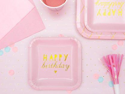 """Różowe talerzyki z napisem """"happy birthday"""""""