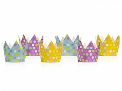 Papierowe, kolorowe korony na urodziny