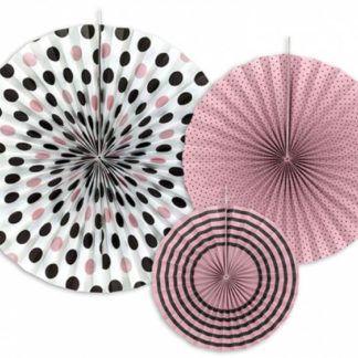 Różowe rozety dekoracyjne