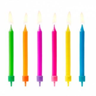 Kolorowe świeczki na tort