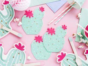 Serwetki i talerzyki papierowe w kształcie kaktusów